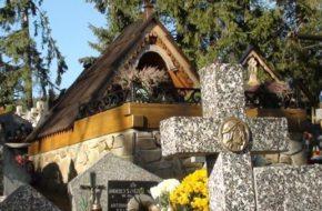 Kościelisko Krzyż Polski na cmentarzu