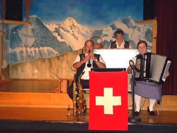 Interlaken. Folklor po szwajcarsku