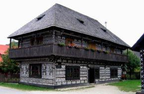 Čičmany Wieś ornamentami zdobiona