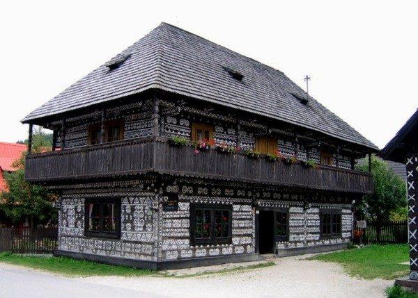 Čičmany. Wieś ornamentami zdobiona