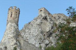 Devín Zamczysko na skale nad Dunajem