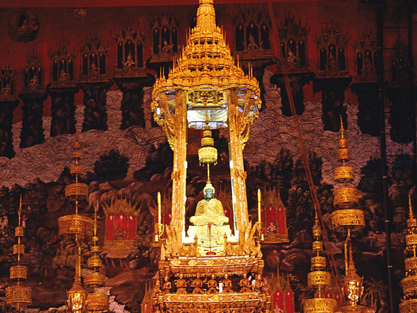 Bangkok Wat Phra Keo – najświętsza ze świątyń