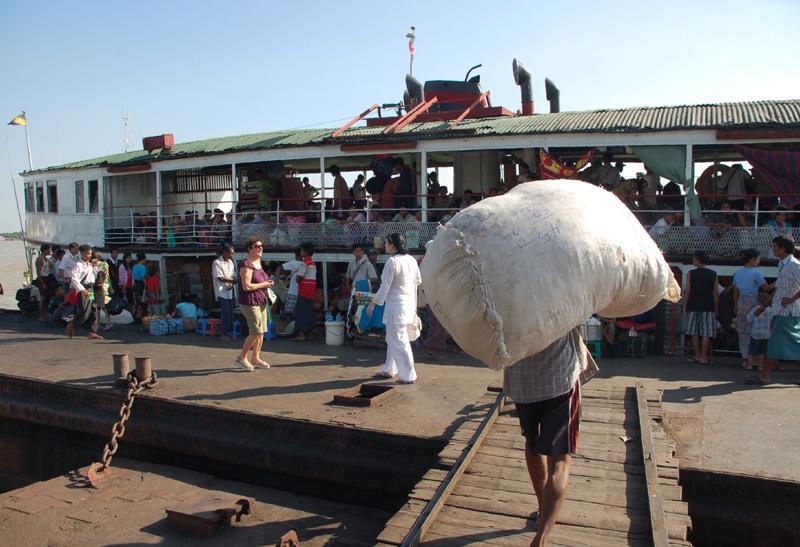 Rangun. Portowe oblicze dawnej stolicy Birmy