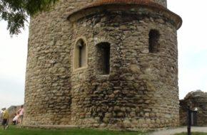 Skalica Romańska rotunda w murach miasta
