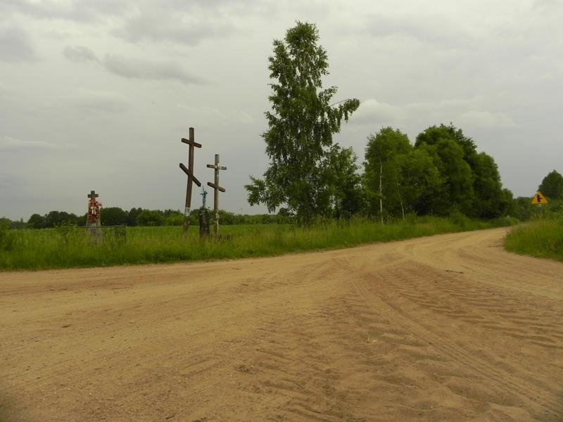 Soce. Kamienne krzyże na rozstajach dróg