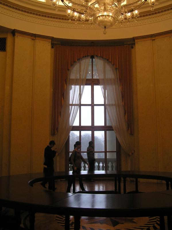 Warszawa. Ambasada Rosji: Belwederska 49 zdobyta