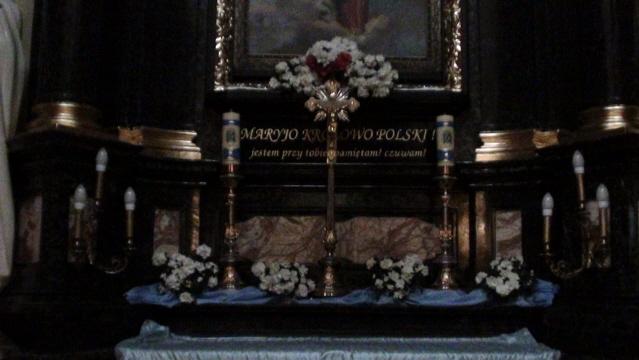 Kraków. We wnętrzu kościoła na Skałce