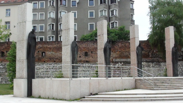 Kraków Ołtarz Trzech Tysiącleci na Skałce