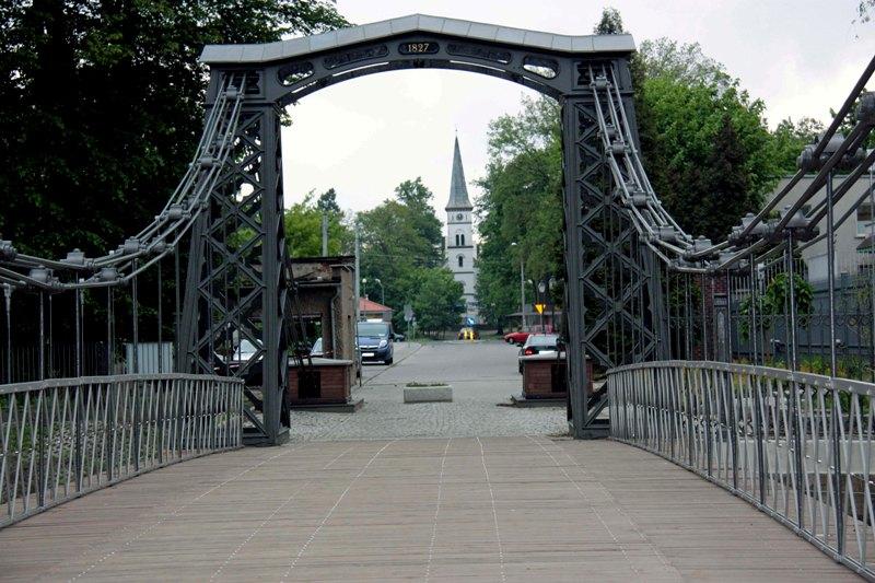Ozimek. Najstarszy żelazny most wiszący