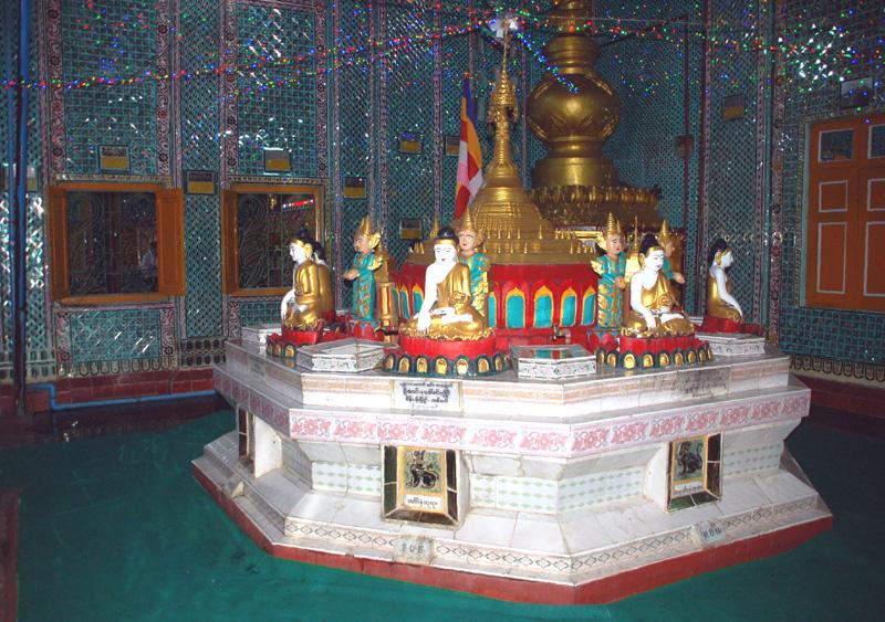 Mandalaj. Pagody i stupy na świętym wzgórzu