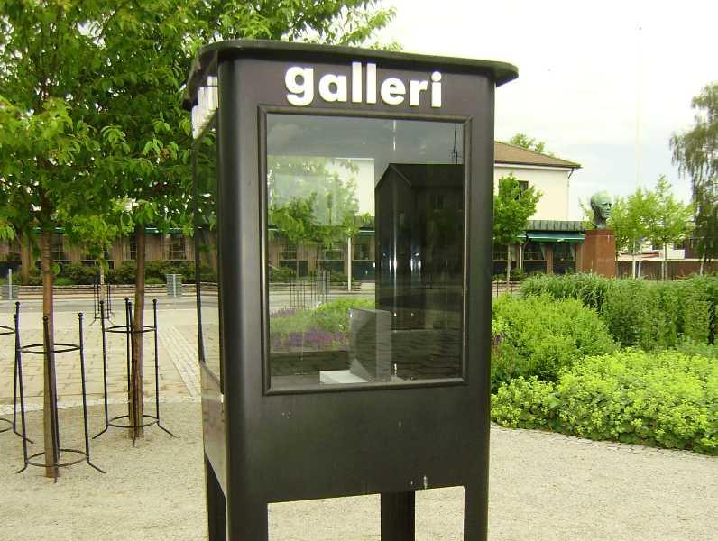 Bromolla  Najmniejsza galeria sztuki na świecie