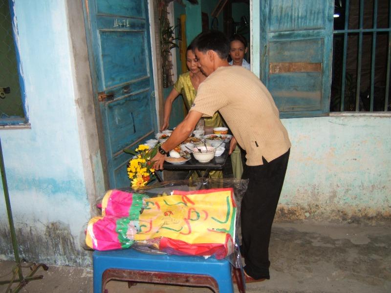 Hoi An Od strony kuchni i domowego ołtarza