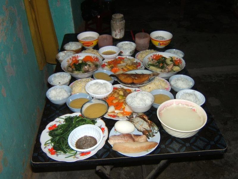 Hoi An. Od strony kuchni i domowego ołtarza