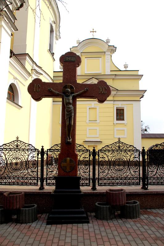 Winnica. Losy trzech dawnych klasztorów