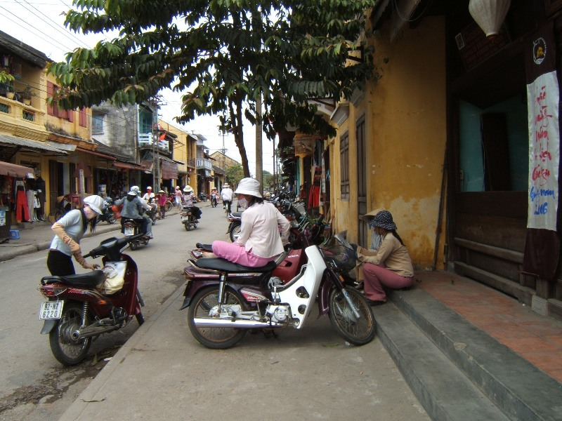 Hue Jak się odnaleźć na wietnamskiej ulicy