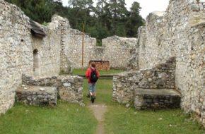 Klaštorisko Powstają z ziemi ruiny kartuzji