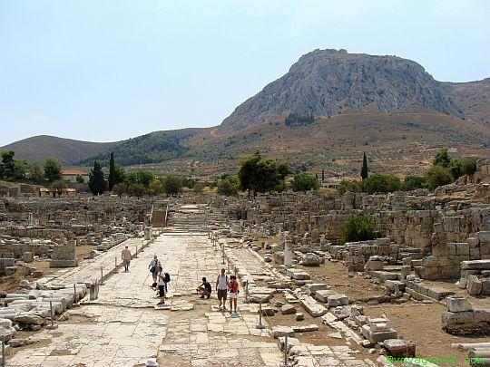 Korynt. W ruinach starożytnego miasta