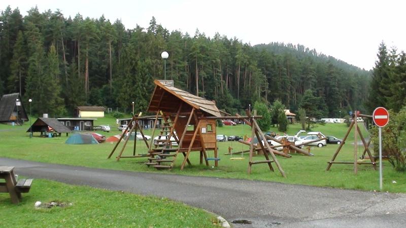 Podlesok. Stąd wiodą szlaki w Słowacki Raj