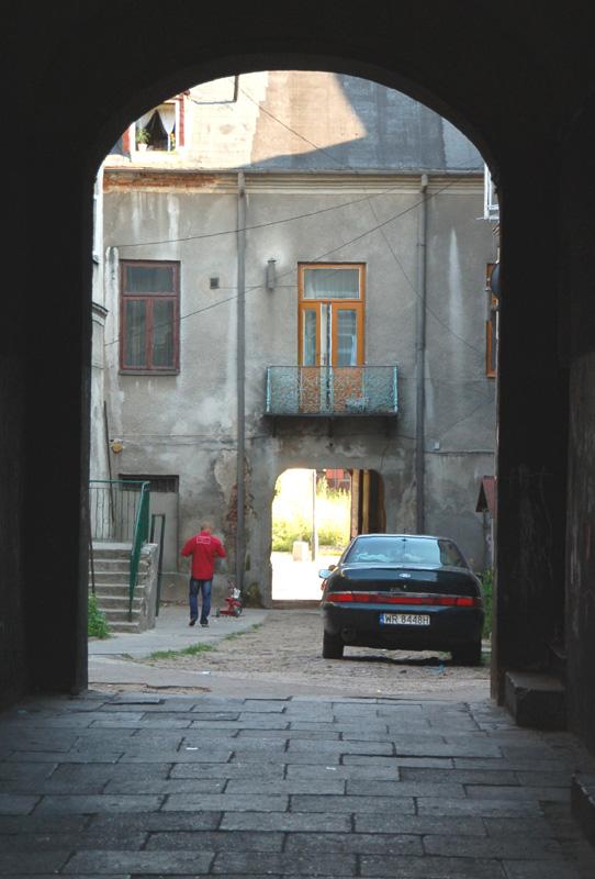 Radom. Na ulicach, w bramach, podwórkach…