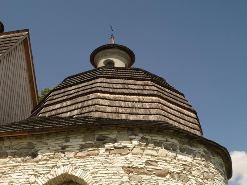 Przyrów. Kościół w szczerym polu