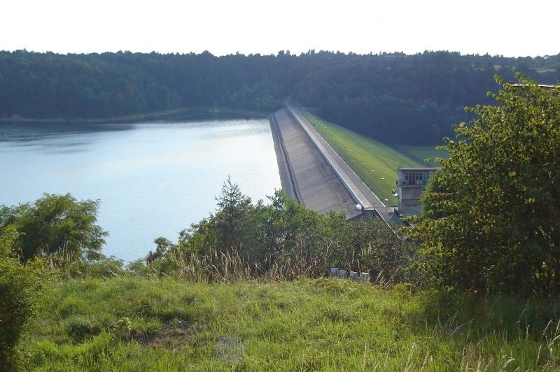 Jezioro Dobczyckie Dlaczego nie ma dostępu do wody?