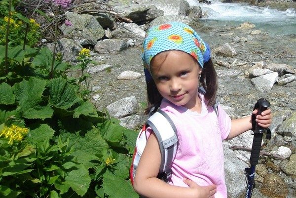 Dolina Młynicka. Z małą turystką do Wodospadu Skok