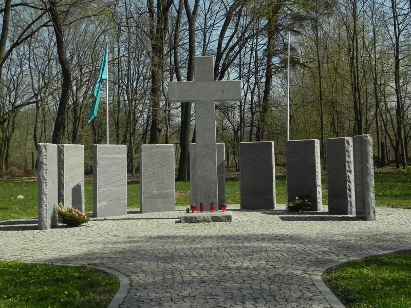 Modlin. Forteczny cmentarz wszystkich wojen