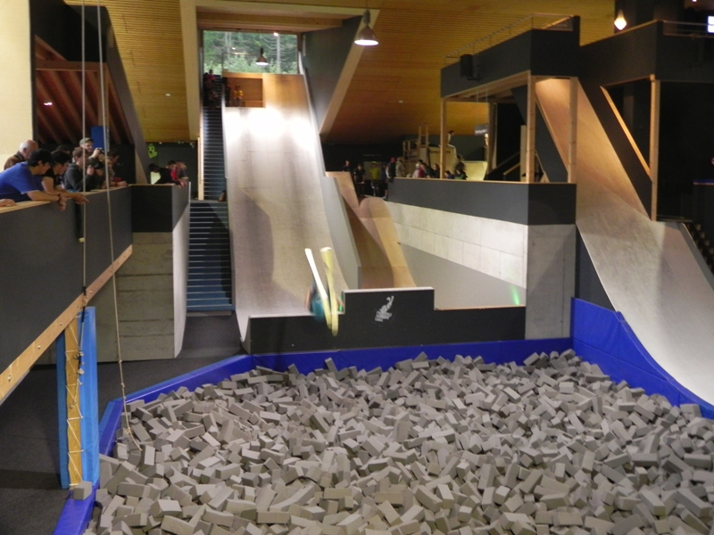 Laax. Freestyle'owa akademia w środku Alp