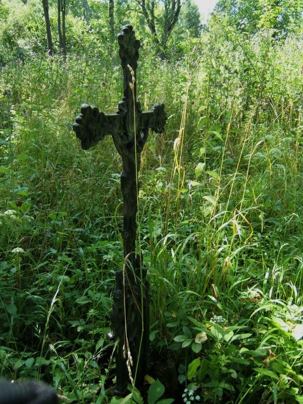 Piątkowa Ruska. Cerkiewka przycupnięta nad potokiem…