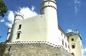 Orlík Średniowieczny zamek nad Wełtawą