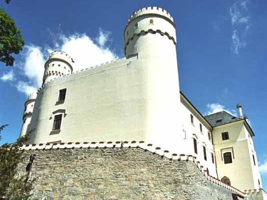 Orlík. Średniowieczny zamek nad Wełtawą