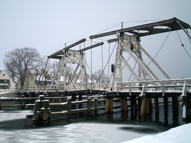 Greifswald. Most zwodzony na rzece Ryck