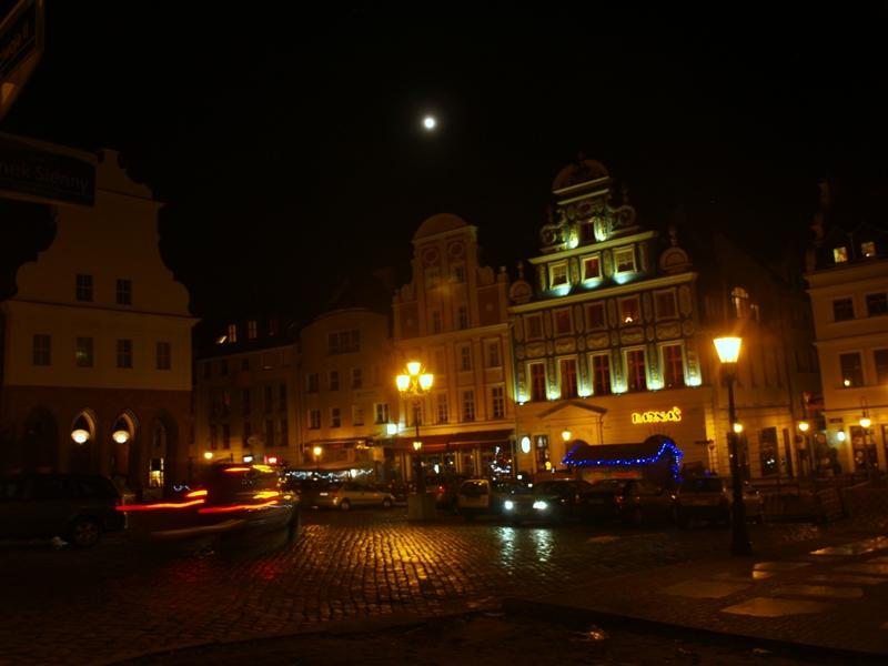 Szczecin. Nocne iluminacje: rok 2012 odchodzi