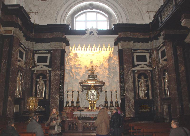 Wilno We wnętrzach i w podziemiach katedry