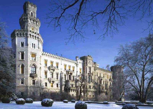 Hluboká . Pałac w zimowej aurze