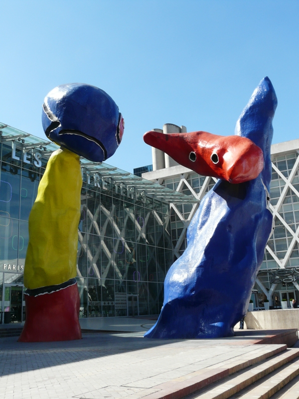 Paryż. La Défense – dzielnica XXI wieku