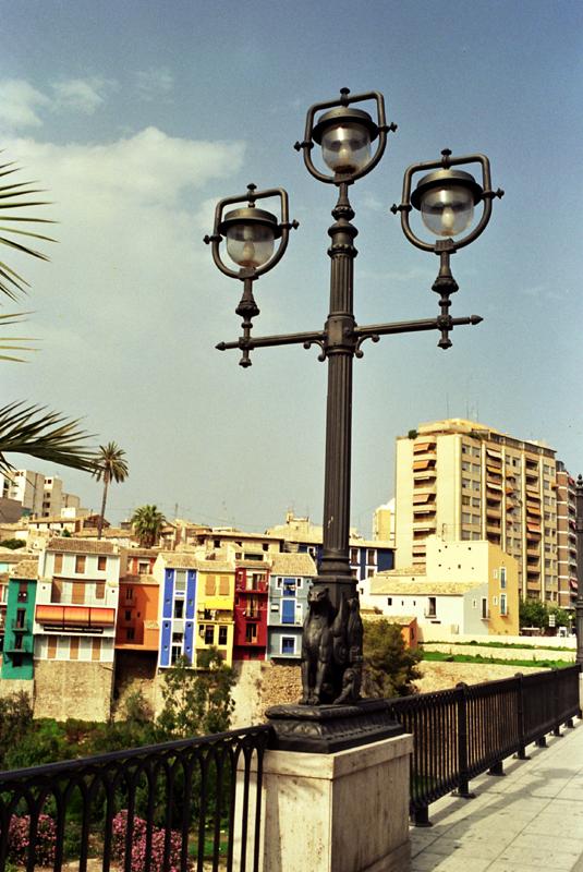 Villajoyosa. Kolorowe domy, wieże i czekolada
