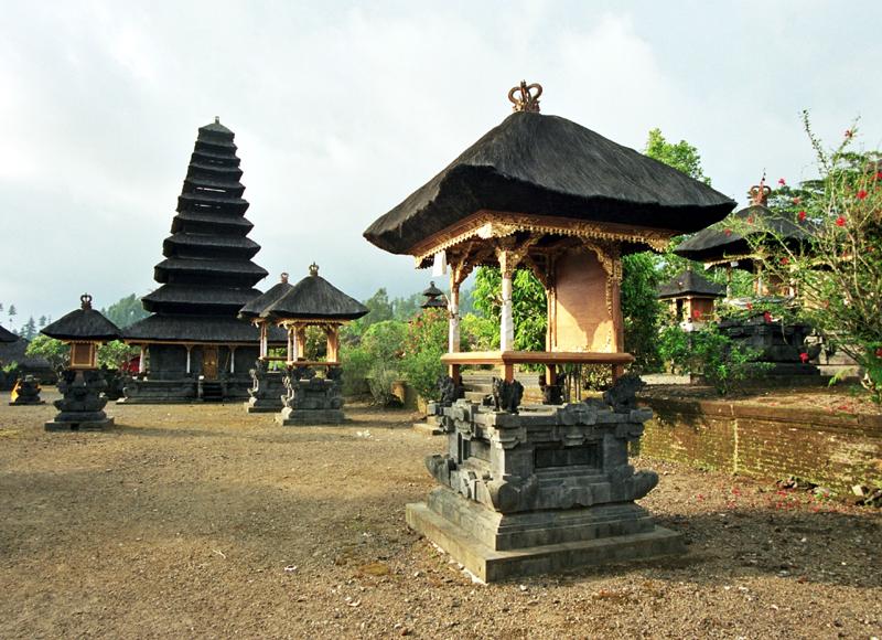 Pura Besakih. Pierwsza wśród balijskich świątyń