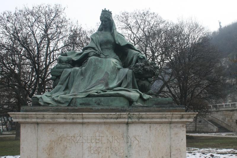 Budapeszt. Pomnik Sissi, czyli cesarzowej Elżbiety