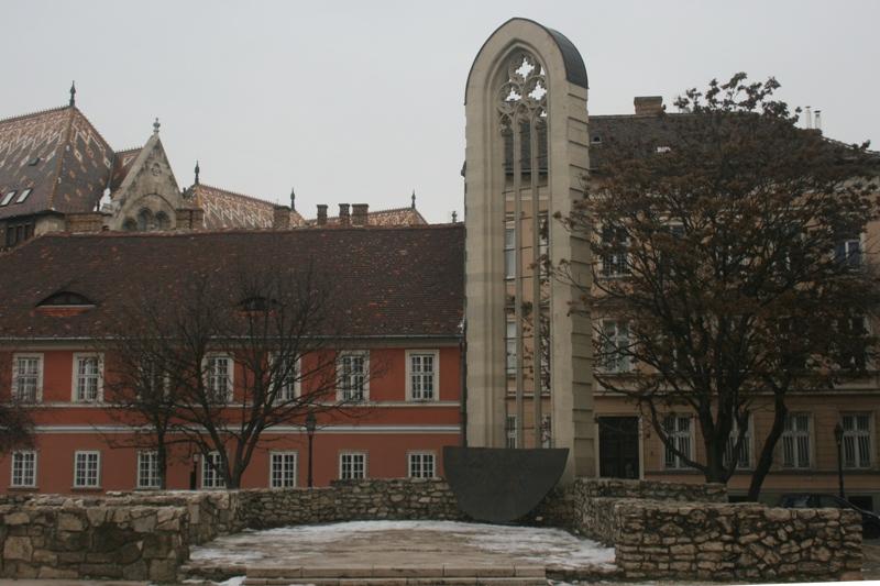 Budapeszt Została tylko gotycka wieża…