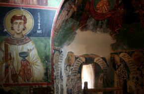 Pedhoulas  Górski kościół jak… stodoła