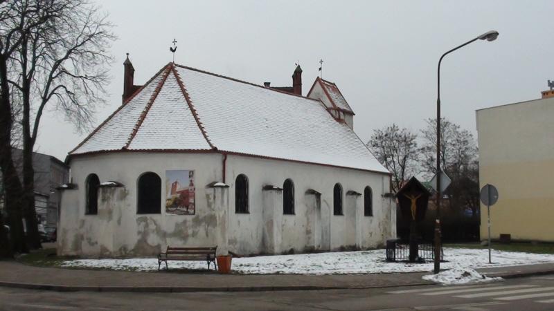 Darłowo Szpitalny kościół za murami