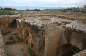 Pafos Niekrólewskie groby królewskie