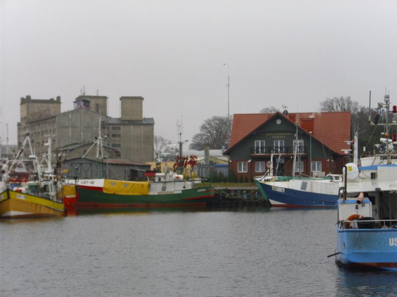 Ustka. Wczoraj i dziś bałtyckiego portu