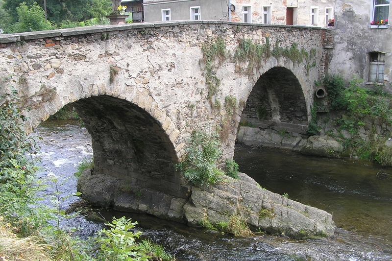 Lądek-Zdrój. Stary most, co oparł się powodziom