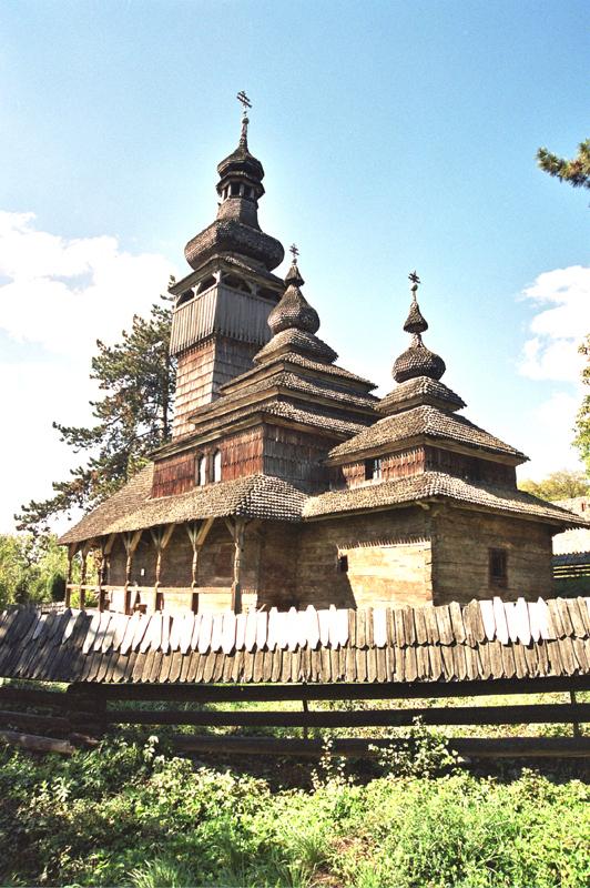 Użhorod. Zamek, skansen i trzy świątynie