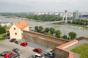 Bratysława Stołeczny zamek nad Dunajem