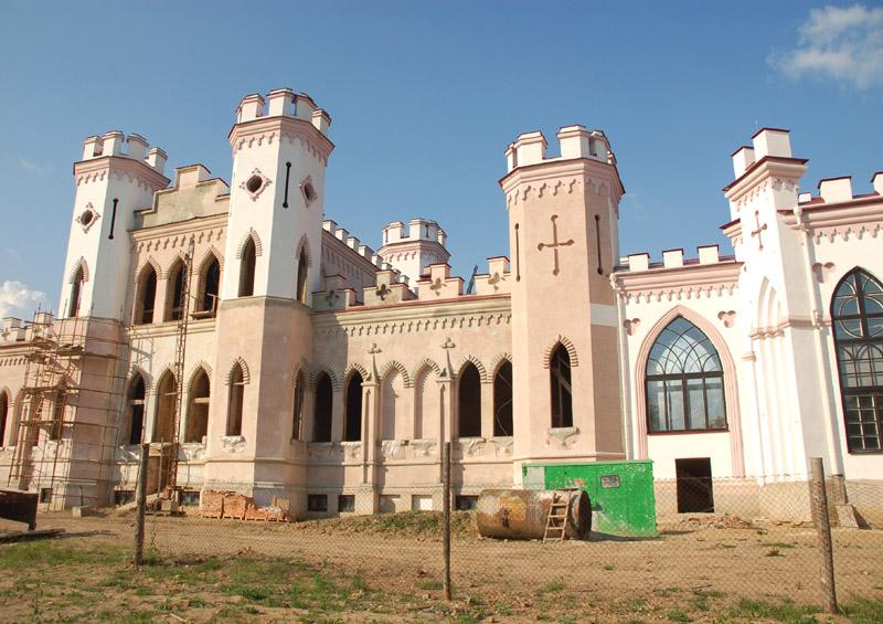 Kosów Poleski Neobarokowy pałac w odbudowie