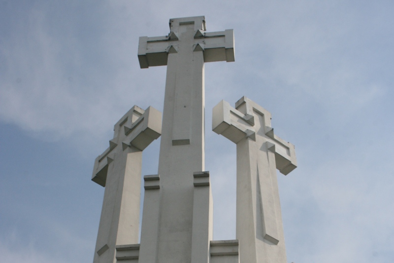 Wilno Trzy krzyże ponad miastem