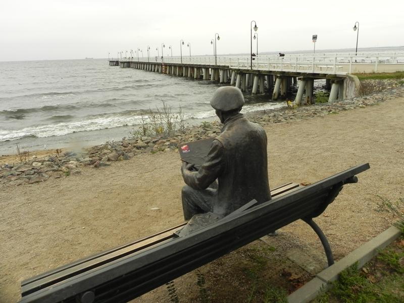 Gdynia Nadmorski pomnik malarza marynisty
